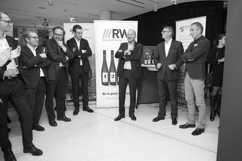 """DBH 8.11.2017 Stimmungsvolles und vinophiles """"DBH Real Estate"""""""